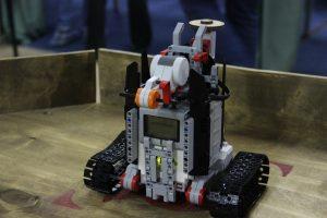 робот, соревнование по робототехнике