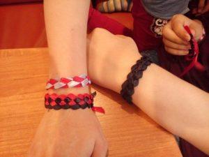 браслеты из атласных лент